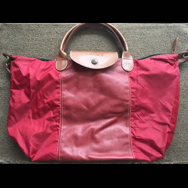 Triset Red Bag