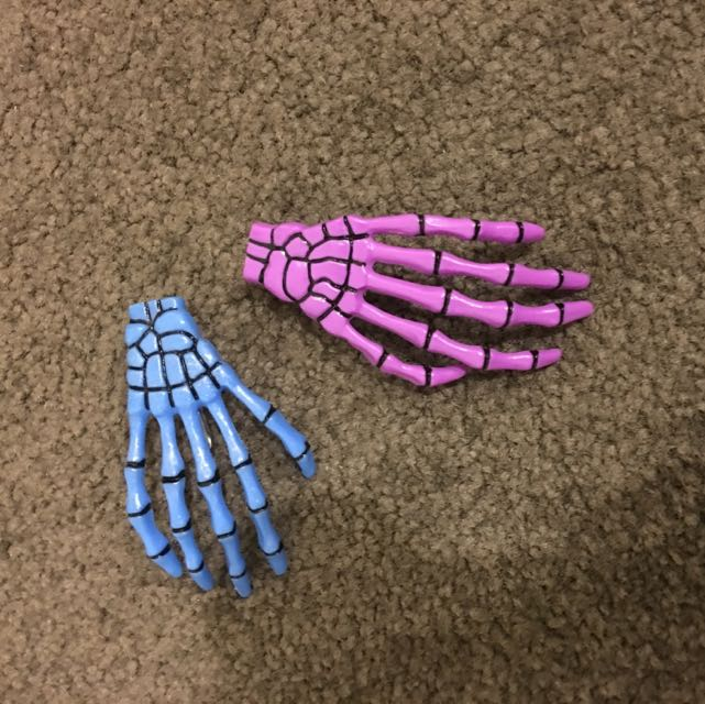 Two Cute Skeleton Hands Hair Clips