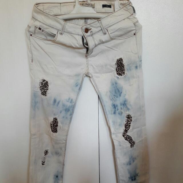 zara distress jeans