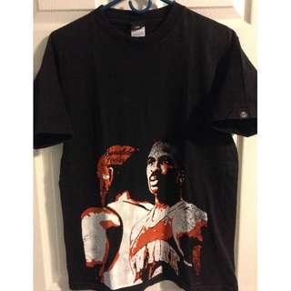 New York Knicks / Charles Oakley Icon T-Shirt - Size: Medium