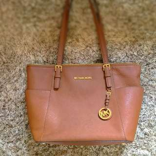 Michael Kors Jet Set Tote Saffiano Leather Genuine