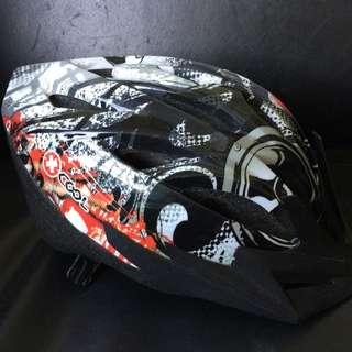 Kids Helmet Sz Medium 54-58cm