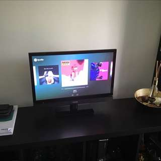 23 inch Toshiba TV with Remote