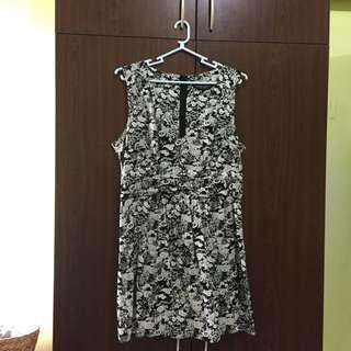 Dorothy Perkins Low Neck Printed Dress