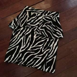 Preloved peplum skirt (animal skirt)