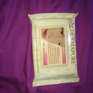 BRAND NEW MAKEUP WIPES
