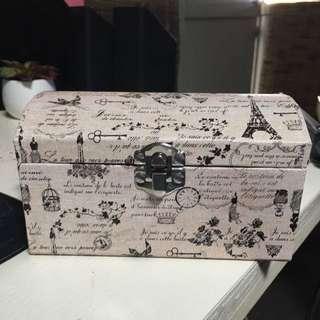 Paris jewellery Box