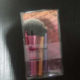 Real Techniques Mini Travel Brush Set