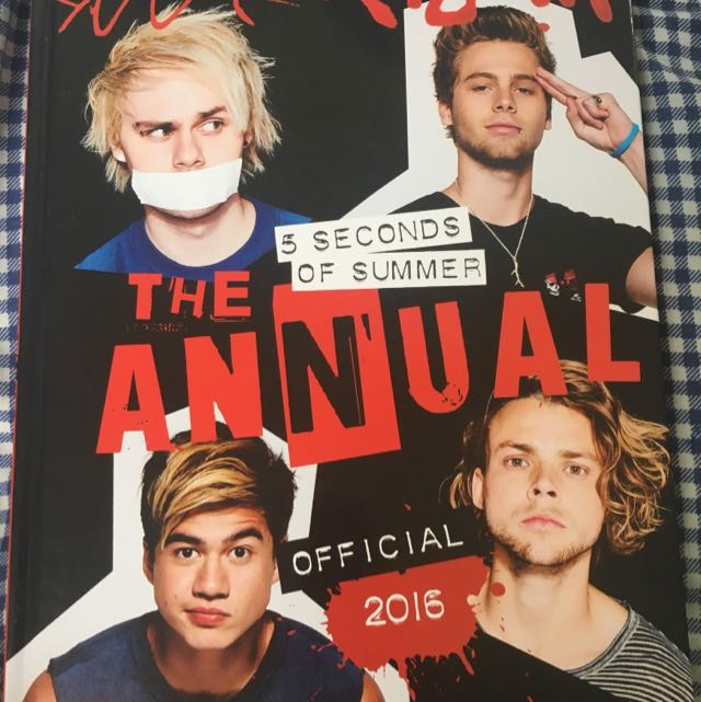 5SOS Annual Official 2016