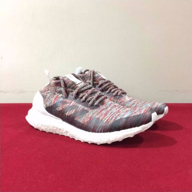 the latest a3320 fbe48 Adidas Ultraboost Mid x Kith