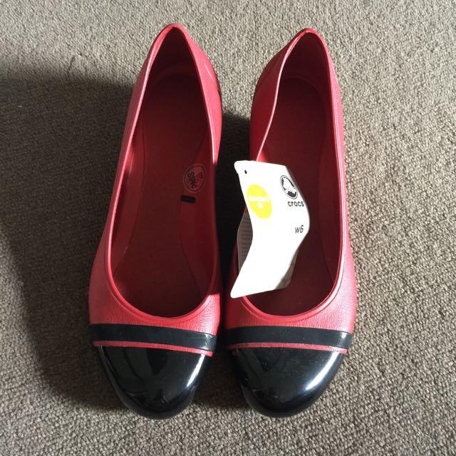 Crocs Red And Black Wedges Pump