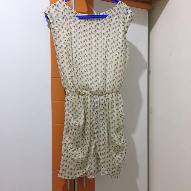 DRESS BROKEN WHITE SKULL MOTIVE