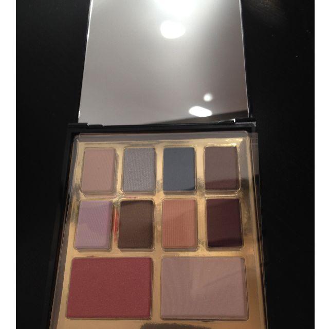 Elizabeth Arden eyeshadow palette GOLD