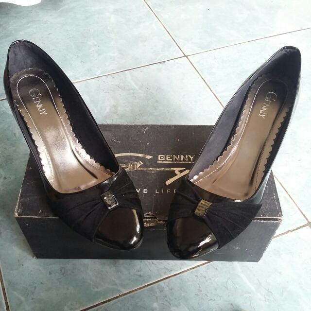 Genny Black Heels
