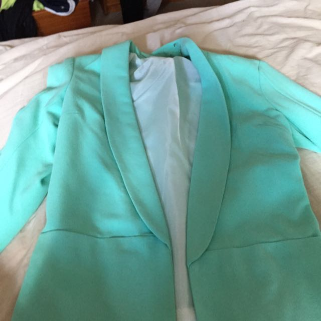 Glassons Size 6 Aqua Green Blazer