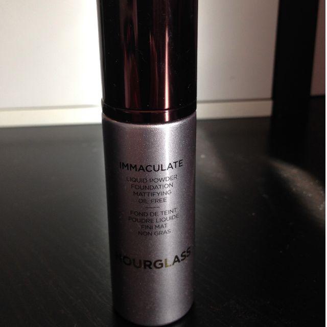 Hourglass Immaculate liquid powder foundation NATURAL