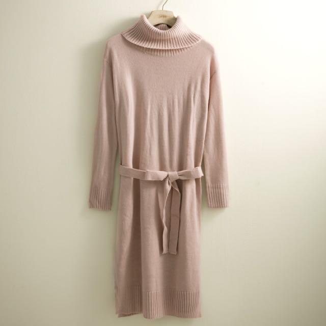Lovfee高領針織長洋裝-粉-S.M