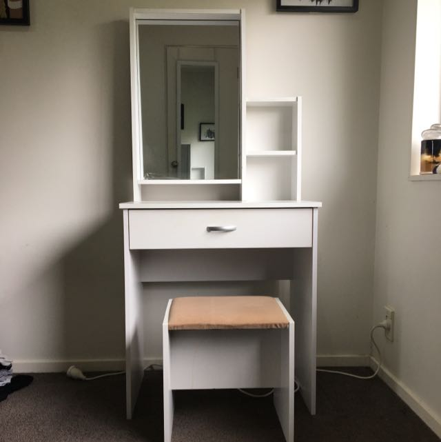 Makeup Vanity And Seat