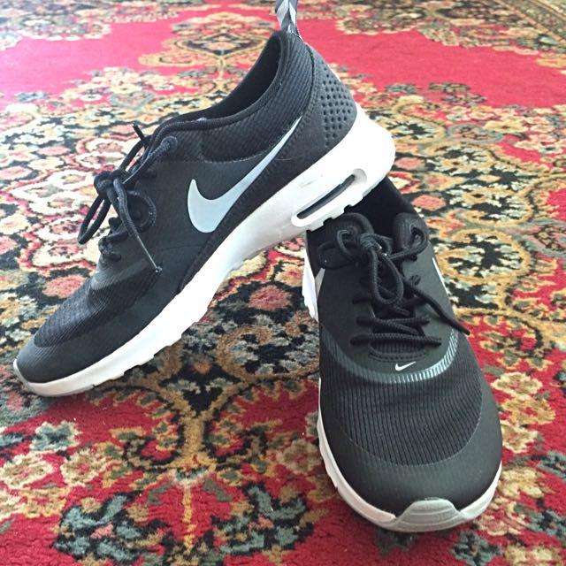 Nike Air Max Thea Size 6