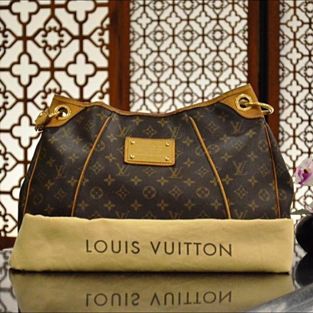 Pre-owned Louis Vuitton Monogram Galliera