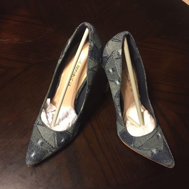 全新Shoe Republic La仿牛仔布料高跟鞋