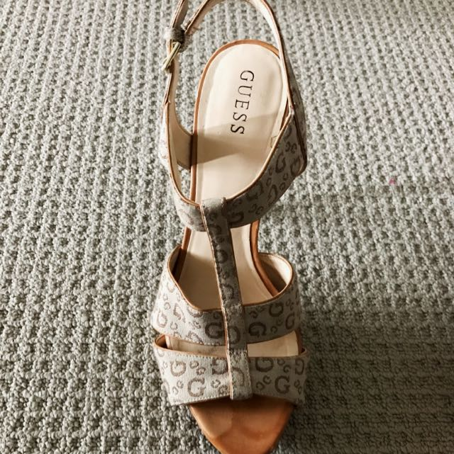 Size 8 Guess Heels