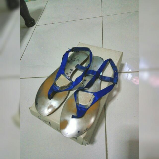 REPRICED Thong Sandals Merk Vincci