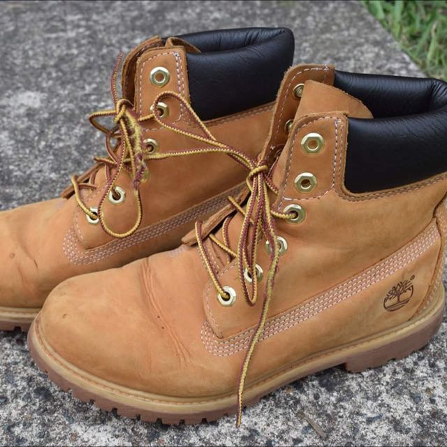 Timberland Boots Size 8 (authentic)