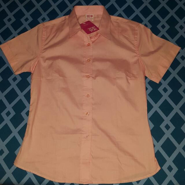 Top to Toe- Pink Ladies Basic Short Sleeve Woven Shirt (small)