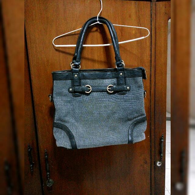 REPRICED Tote Bag Merk Guess