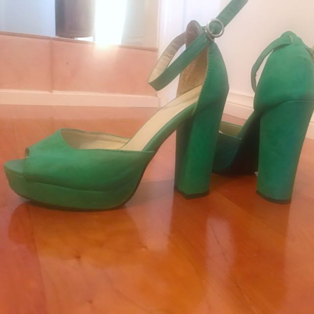 Turqoise Green block heels. Opentoe with ankle strap perfect for Summer!