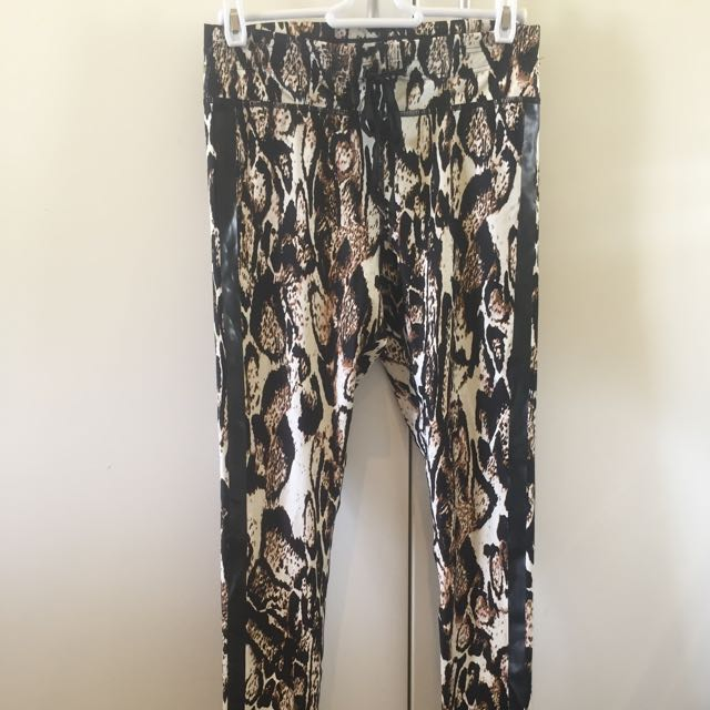 Upside Leggings Full Length Size M