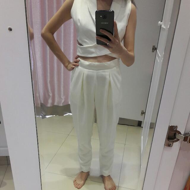 White Harem Long Pants / Celana Panjang Warna Putih Model Harem Bahan Kain Bagus