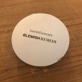 PRELOVED Bare Mineral Blemish Remedy Foundation 09-Clearly Sand