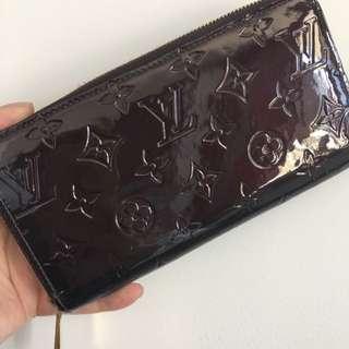 Louis Vuitton Authentic Vernis Leather Wallet