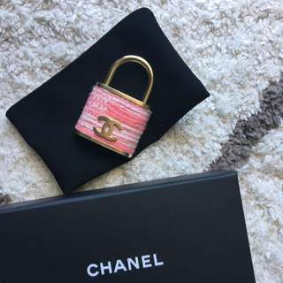 CHANEL Brooch Authentic
