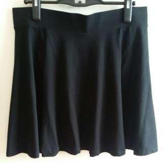 BNWOT HnM Black Skater Skirt
