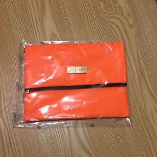 正版BKK 側背包斜背包手拿包 泰國正版GAGA包