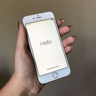 64GB iPhone 6 Silver with charger