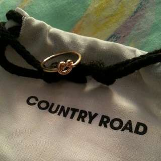 COUNTRY ROAD Gold Knot Ring (Size S-M)