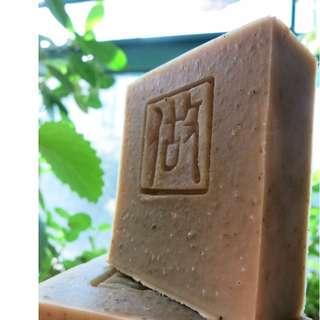 薄荷艾草金盞皂 (100g +/- 5%)