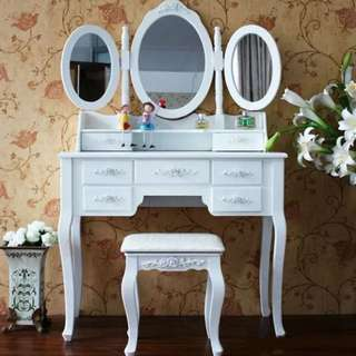 Sale Off ! Brandnew luxury Angle 7 drawers with 3 Mirrors dressing table ( delivery inside 20km)