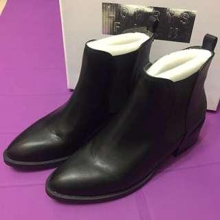 LOWRYS FARM黑色短靴