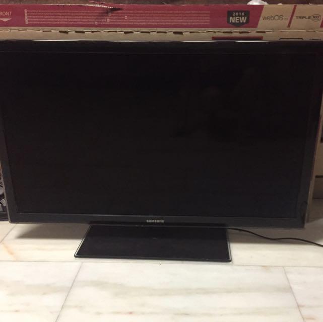 1ba9273e9 42 Inch Samsung Tv (SMART TV)