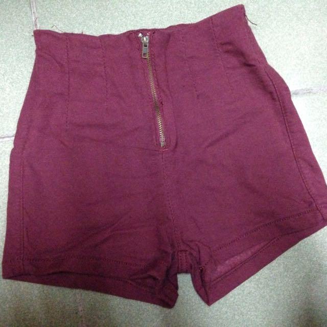 紅色高腰短褲
