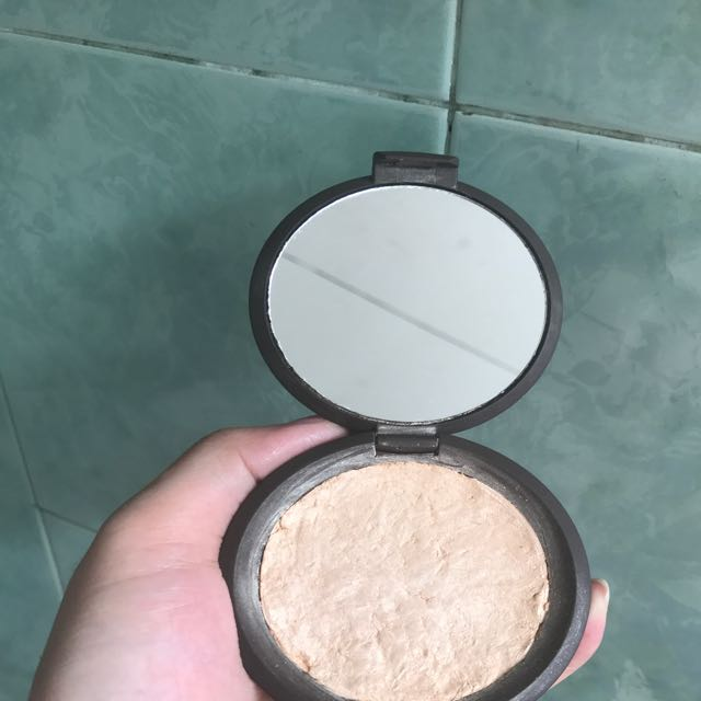 Becca Moonstone Defect