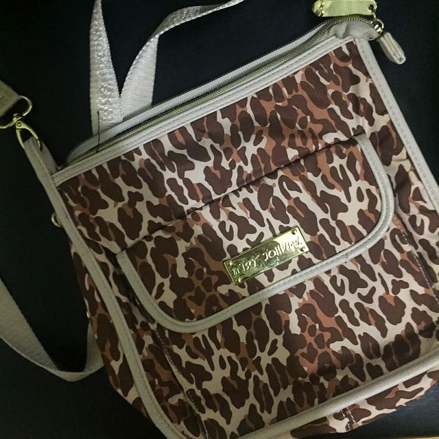 REPRICED Auth Betsey Johnson