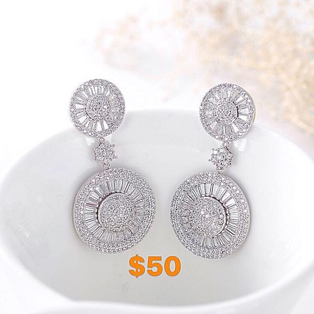 Dangling micropaved CZ stones earrings