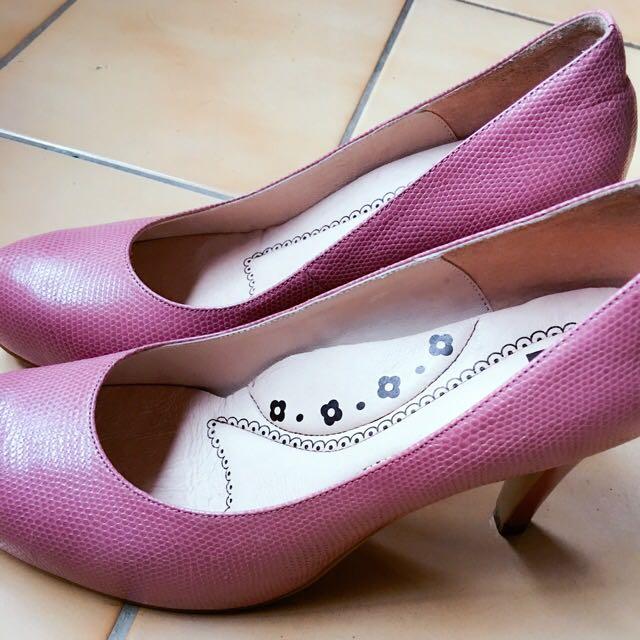 Ea (Eastman Association) 粉色仿細蛇皮高跟鞋