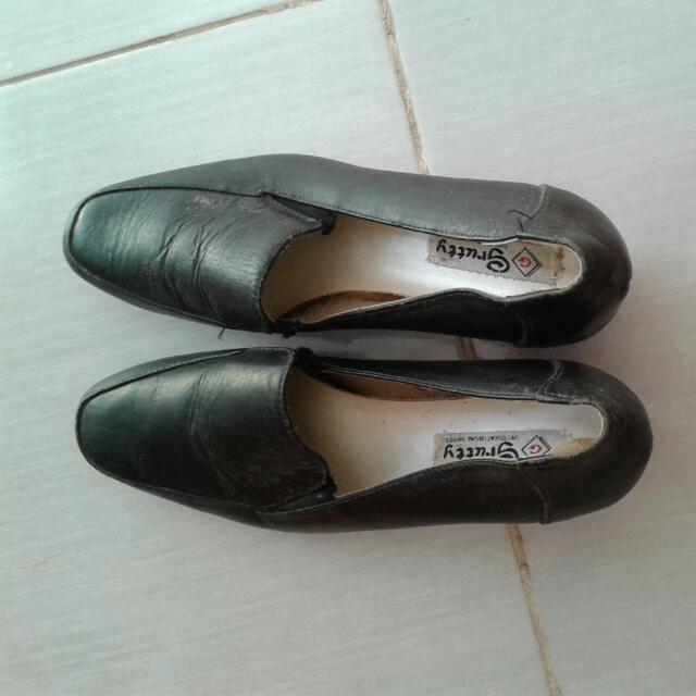 Grutty International Shoes